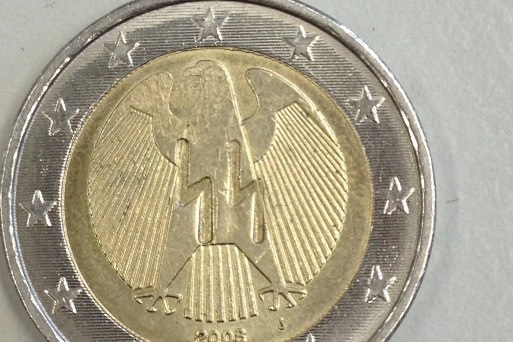 Dortmunder Entdeckt Zwei Euro Münze Mit Nazi Symbolen Dortmund