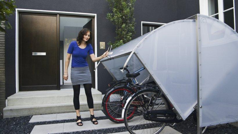 fahrrad garage vom designer ein zuhause f r teure fahrr der wohnen. Black Bedroom Furniture Sets. Home Design Ideas
