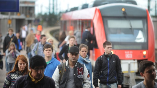 Ein Mann (38) bedrohte Fahrgäste in der Bahn von Dortmund nach Enschede mit einer Pistole. (Symbolfoto)