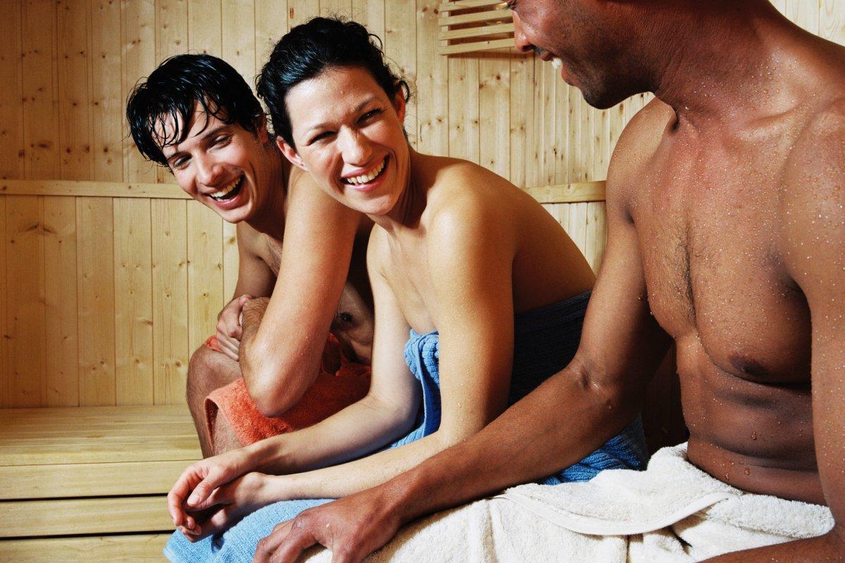 Verbrennt das Sitzen in einer Sauna Fett?