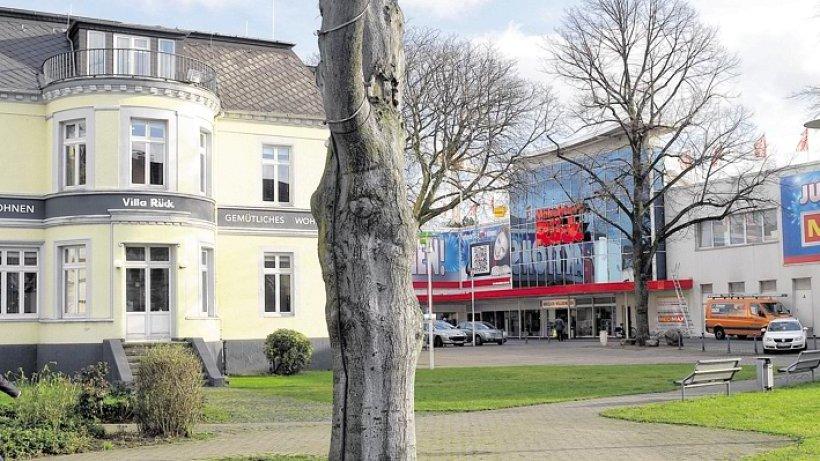 verkauf der m belstadt r ck in oberhausen soll keine arbeitspl tze kosten oberhausen. Black Bedroom Furniture Sets. Home Design Ideas