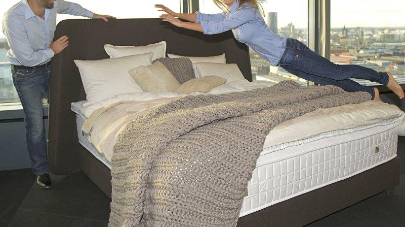 k lner m belmesse wohnen. Black Bedroom Furniture Sets. Home Design Ideas