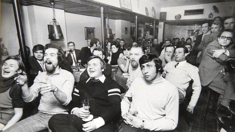 1954 wurde in essen bergerhausen public viewing erfunden essen. Black Bedroom Furniture Sets. Home Design Ideas