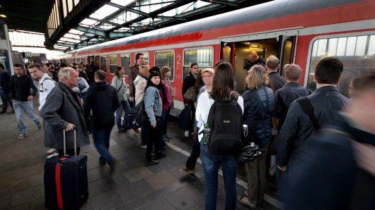 Auswirkungen der Umstellung auf das neue Elektronische Stellwerk der Deutschen Bahn am Hauptbahnhof in Duisburg