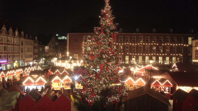 kein weihnachtsbaum vor dem rathaus in d sseldorf. Black Bedroom Furniture Sets. Home Design Ideas