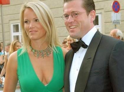 Nackt  zu Stephanie Guttenberg Stephanie zu