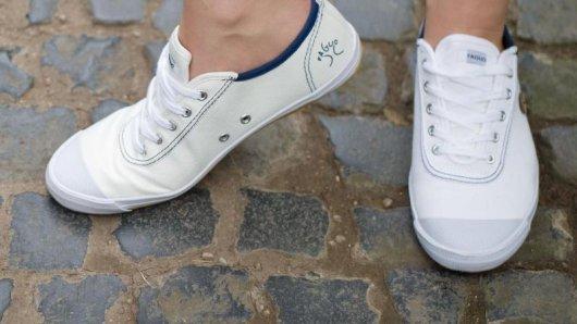 Lässig, leicht, gesellschaftsfähig: Weiße Sneaker könnten in diesem Sommer wieder ein Renner an den Füßen der Deutschen werden.