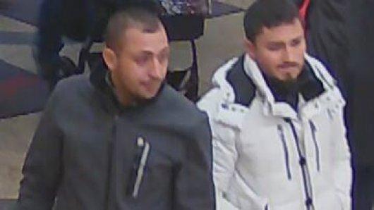 Ein Bild aus der Überwachungskamera: Kennst du diese beiden Männer?