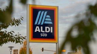 Böse Überraschung Für Aldi Kunden: Warum Du Nach Einem Einkauf Deinen  Kontostand überprüfen Solltest