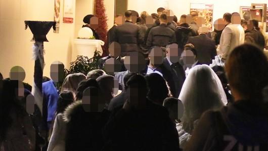 Clan-Experte Dr. Ralph Ghadban erklärt, warum die Hochzeit am Sonntagabend so heikel war.