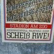 Diese Plakate platzierten Wuppertal-Fans an verschiedenen Bahnhöfen.