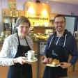 Du hast dich entschieden: Renate de Witt und Marco Münkel bereiten das beste Frühstück in Oberhausen zu.