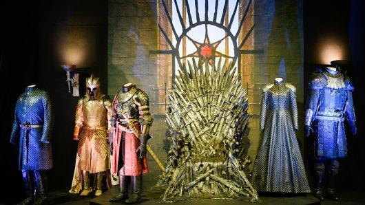 Der eiserne Thron ist einer der Highlights der Ausstellung.
