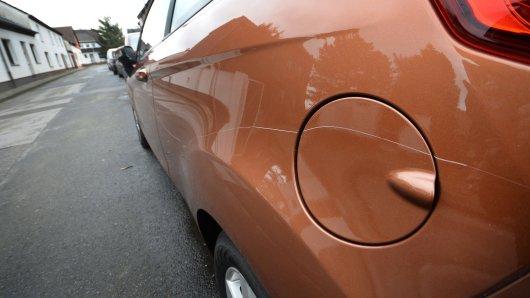 30 PKW wurden in Oberhausen zerkratzt. Die Ermittlungen der Polizei laufen noch. (Symbolfoto)