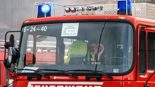 In Oberhausen ist es in einem Mehrfamilienhaus zu einem Kohlenstoffmonoxid-Austritt gekommen. Die Feuerwehr ist angerückt. (Symbolfoto)