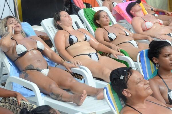 Frauen Dicke Bikinis nackte in weißen Sex mit