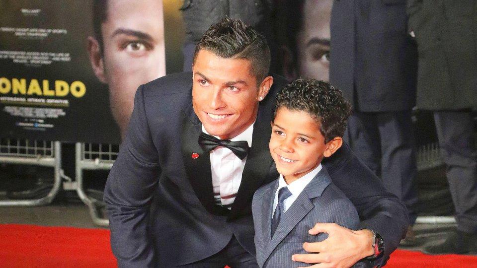 Leihmutter Cristiano Ronaldo Wird Vater Von Zwillingen Panorama