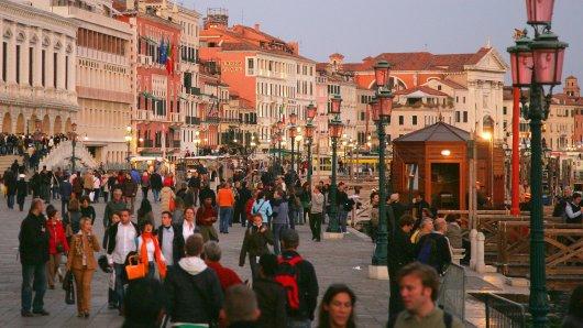 Touristen in Venedig können die Stadt jetzt mithilfe eines neuen Passes erkunden.