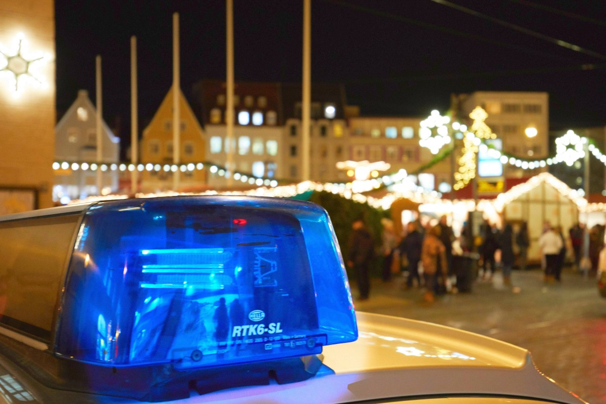 Weihnachtsgrüße Polizei.Polizei Nrw Nimmt Weihnachtliches Video Auf Und Zeigt Damit Was