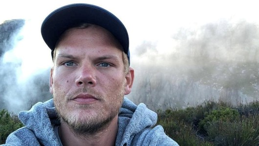 Swedish musician, DJ, remixer and record producer Avicii (Tim Bergling) takes a selfie on Table Mountain, South Africa in this picture obtained from social media January 11, 2018. Instagram/Avicii via REUTERS THIS IMAGE HAS BEEN SUPPLIED BY A THIRD PARTY. MANDATORY CREDIT. NO RESALES. NO ARCHIVES