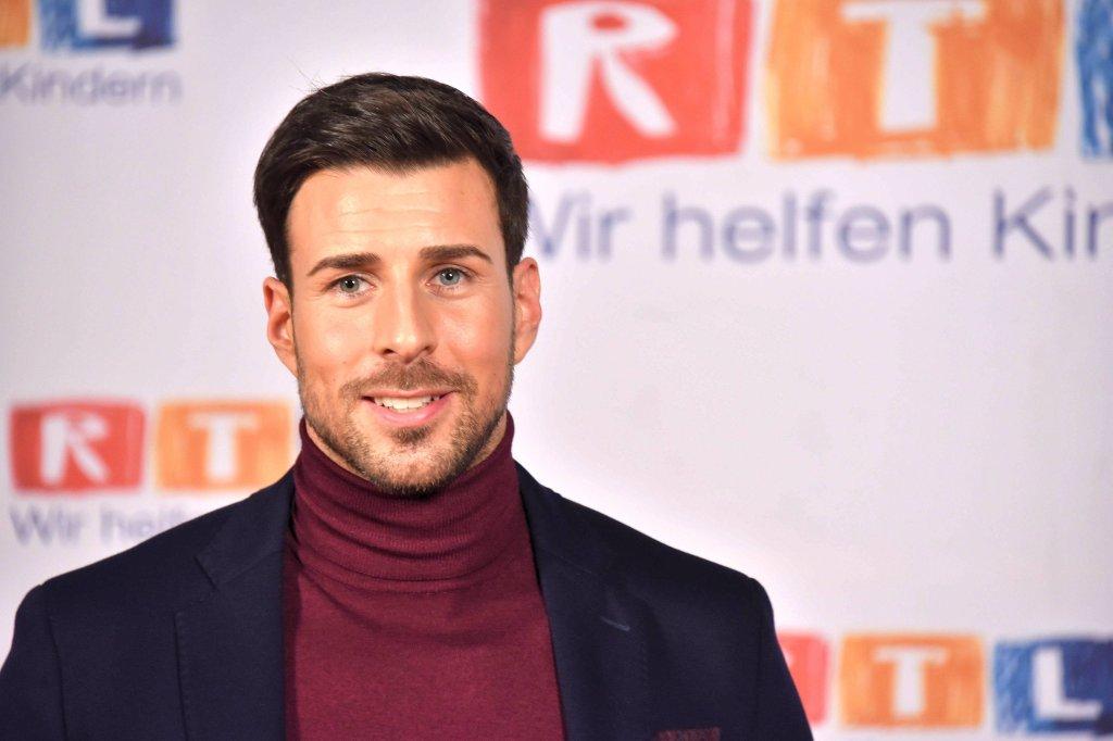 "Ex-""Bachelor"" Leonard Freier nach Unfall im Krankenhaus - Panorama ..."