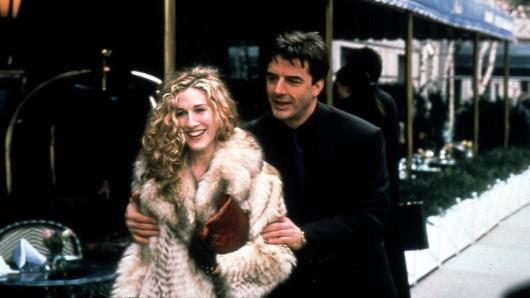 Carrie, gespielt von Sarah Jessica Parker und Mr. Big, gespielt von Christopher Noth im Jahr 1999