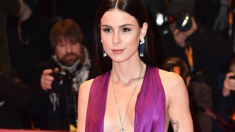 Lena Meyer Landrut Delicious Fans With New Sexy Bathroom
