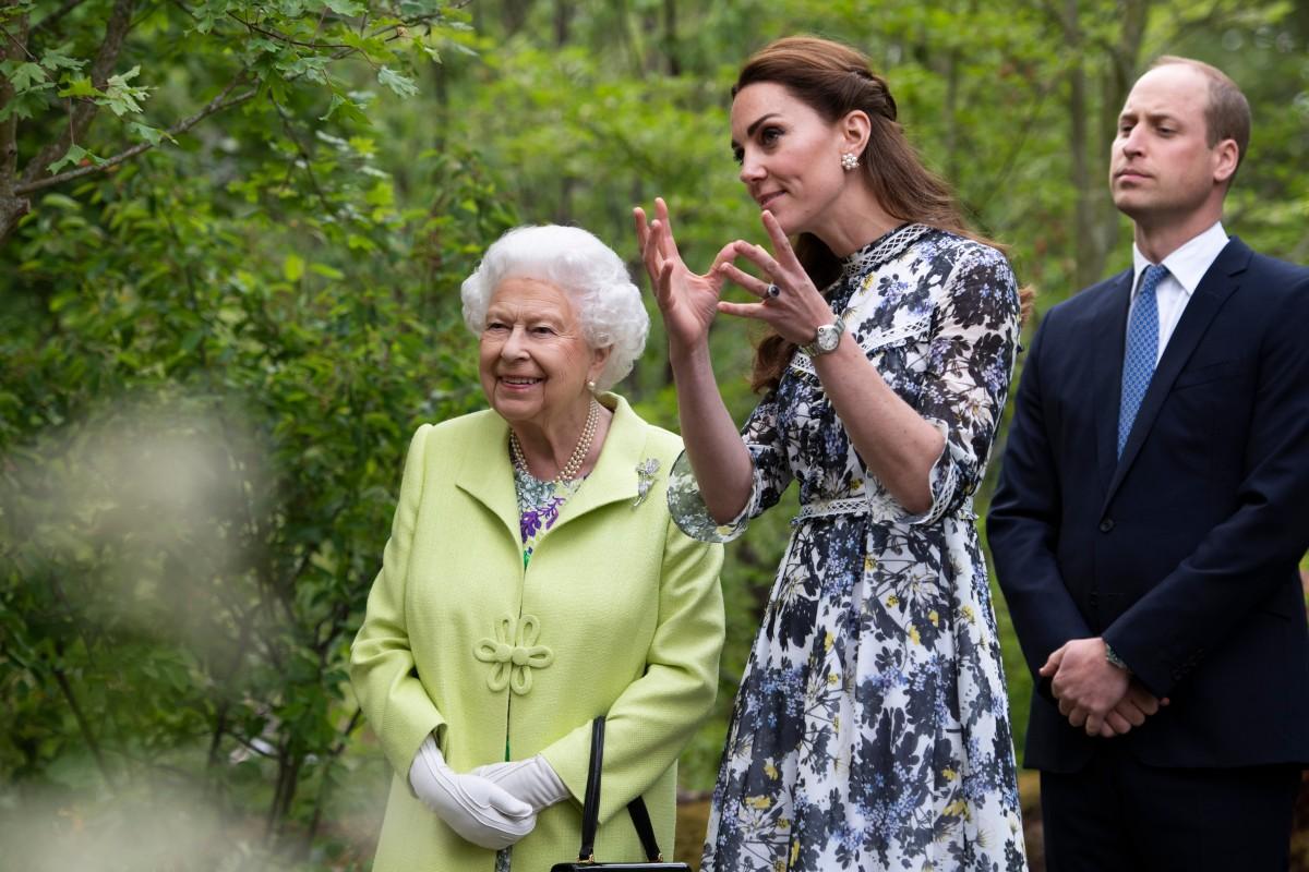 Royals: Kate Middleton begrüßt Queen – dann passiert Unerwartetes