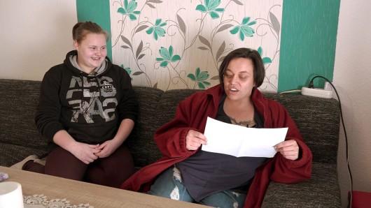 """""""Hartz und herzlich"""" auf RTL2: Mutter Yvonne (rechts) mit ihrer Tochter Lena (14)."""