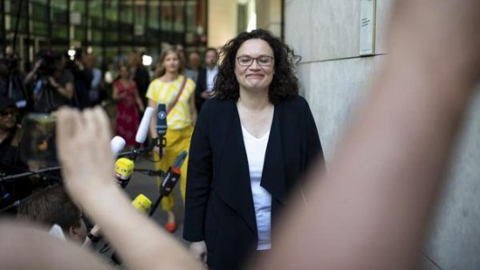 Die frühere SPD-Chefin Andrea Nahles erwägt, im September ihr Bundestagsmandat niederzulegen.