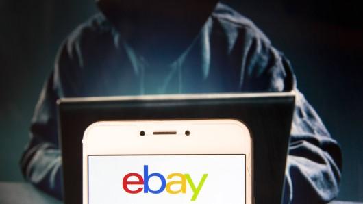 Betrüger auf Ebay Kleinanzeigen nutzen einen fiesen Trick, der ihren Opfern vorgaukelt, etwas Geld sparen zu können. (Symbolfoto)