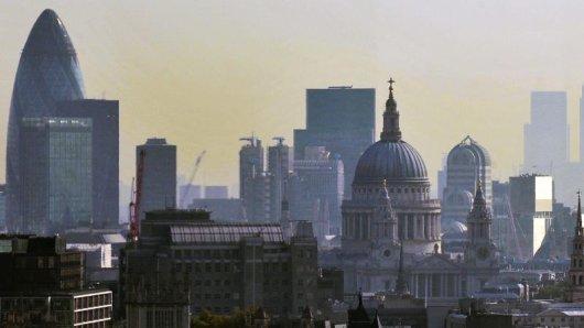 Blick auf die Skyline von London. In einem Theater im Westend ist ein Gebäudeteil eingestürzt.