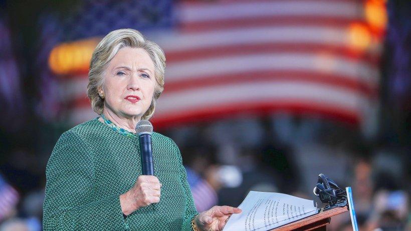 hillary clinton soll fragen bei vorwahldebatten vorab gewusst haben politik. Black Bedroom Furniture Sets. Home Design Ideas