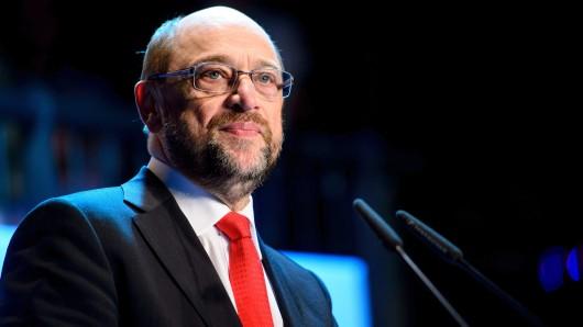 Der Bundesvorsitzende der SPD, Martin Schulz, spricht am 22.03.2017 in Berlin auf einem Treffen der neuen Mitglieder des SPD-Landesverbandes Berlin im Festsaal Kreuzberg. Foto: Gregor Fischer/dpa +++(c) dpa - Bildfunk+++