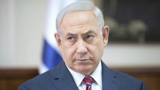 Der israelische Premierminister Benjamin Netanjahu nimmt am 14.05.2017 in Jerusalem (Israel) an der wöchentlichen Kabinettssitzung teil. Foto: Abir Sultan/AP/dpa +++(c) dpa - Bildfunk+++