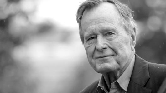 Bush ist im Alter von 94 Jahren gestorben.