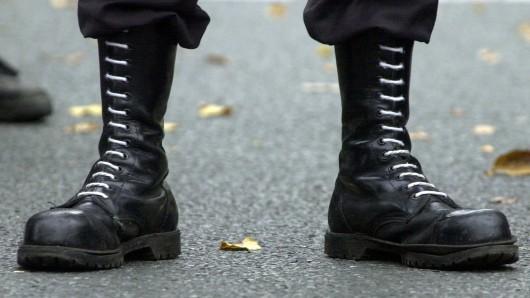 Half ein hessischer Polizist Neonazis mit Informationen?