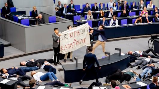 Im Bundestag sorgte ein Protest gegen die deutsche Klimapolitik für Aufsehen.