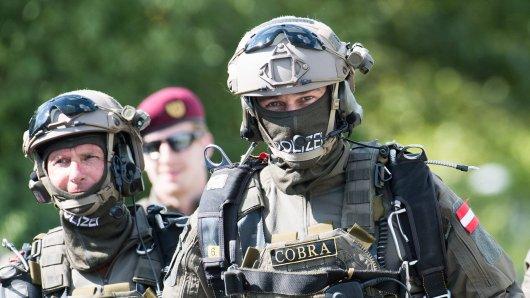 Cobra-Spezialkräfte der Polizei mussten einen FPÖ-Politiker in Österreich festnehmen.