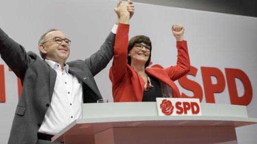 SPD-Parteitag: Die designierten Parteivorsitzenden Norbert Walter-Borjans und Saskia Esken.