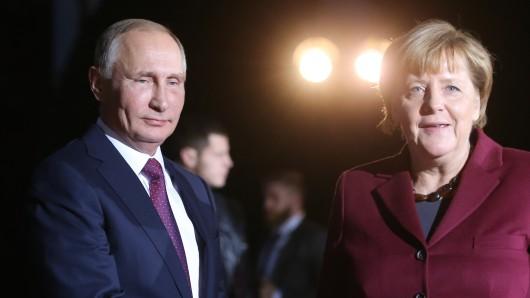 Wladimir Putin und Angela Merkel treffen in Moskau aufeinander