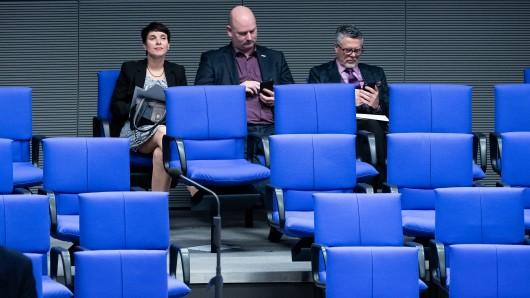 Die drei fraktionslosen, ehemaligen AfD-Abgeordneten Frauke Petry, Mario Mieruch und Uwe Kamann im Bundestag.