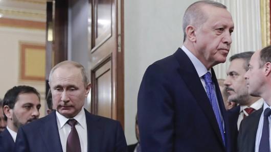 Der russische Präsident Wladimir Putin und sein türkischer Amtskollege Recep Tayyip Erdogan geraten nach Syrien jetzt auch im Konflikt zwischen Armenien und Aserbaidschan aneinander.