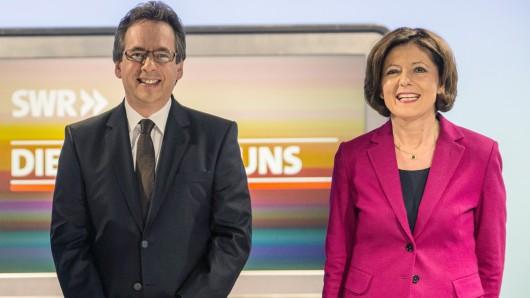 Ein Foto vom TV-Duell 2016 mit Malu Dreyer und SWR-Moderator Fritz Frey.