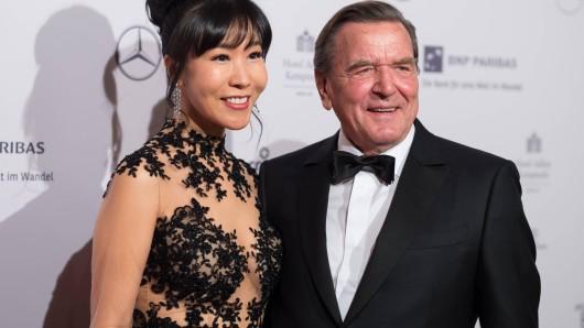 Altkanzler Gerhard Schröder und seine Ehefrau Kim So-Yeon.