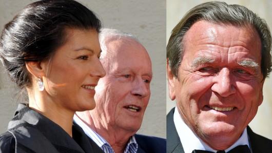 Altkanzler Gerhard Schröder macht sich über seinen Ex-Genossen Oskar Lafontaine lustig (neben mir: Ehepartnerin Sahra Wagenknecht).