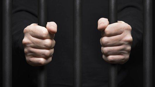 Rundfunkbeitrag: Ein Mann sitzt seit drei Monaten in Haft, weil er dem WDR über 1800 Euro schuldet. (Symbolfoto)