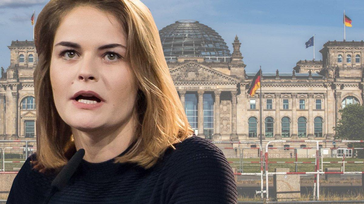 Hazel brugger berlin