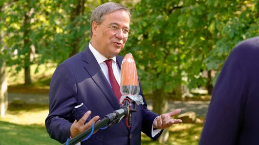 Armin Laschet hat sich im ZDF-Sommerinterview zu seinem Verhalten während der Hochwasser-Krise geäußert – und damit alles noch schlimmer gemacht. (Archivfoto)
