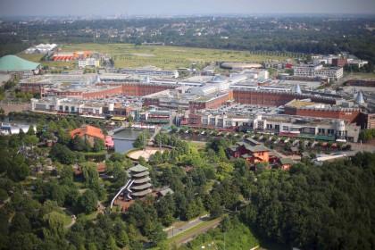 7975e14e31d5d Möglicherweise Anschlag auf Centro in Oberhausen vereitelt: Großeinsatz am  Abend, zwei Brüder aus dem Kosovo in Duisburg festgenommen - Oberhausen ...
